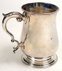 Georgian silver pint mug of baluster form, 1780